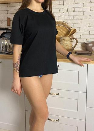 Базовая футболка женская черная