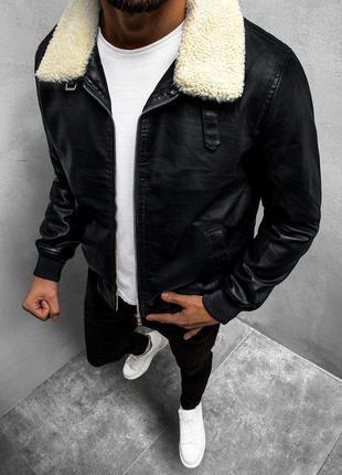 Мужская кожаная черная куртка с мехом