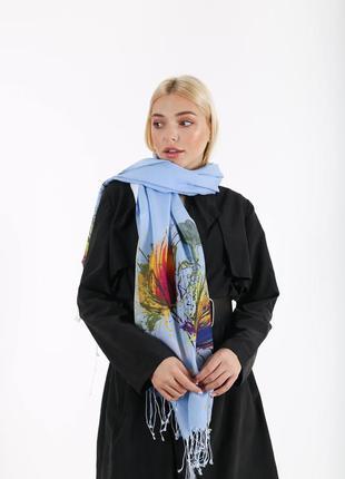 Голубой цветочный шарф с принтом