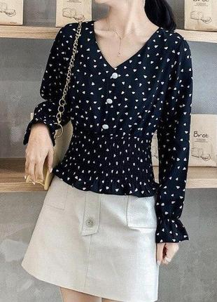 Женская блузка черная в сердечки блузочка с баской