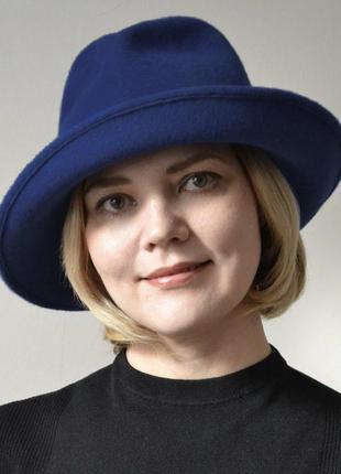 Синяя шляпа женская котелок