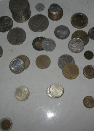 набор монет разных стран