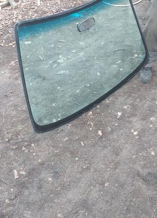 Лобовое стекло mazda 323F