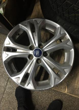 Продам диск оригинальный Ford  R17