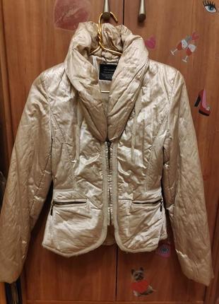Шикарная теплая золотая куртка пуховик от junker