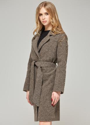 Пальто коричнево-кофейного цвета