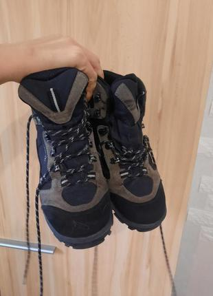 Трекинговые ботинки для похода