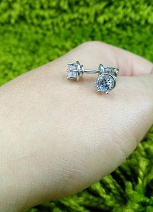 Серебряные серьги гвоздики пусеты с камнями фианитом 925