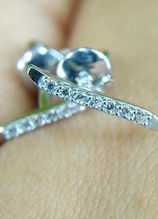 Серебряные серьги гвоздики пусеты с фианитом 925