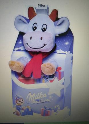 Новогодний набор сладостей Milka c мягкой игрушкой 96,5г