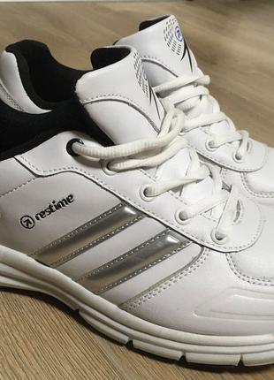 Новые Белые кроссовки  Restime Одскул