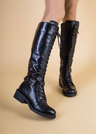 Женские зимние черные кожаные сапоги на замке и со шнуровкой
