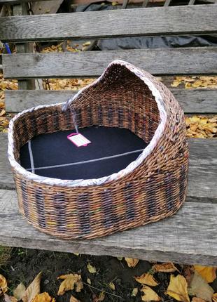 Плетеная лежанка для кошек/собак