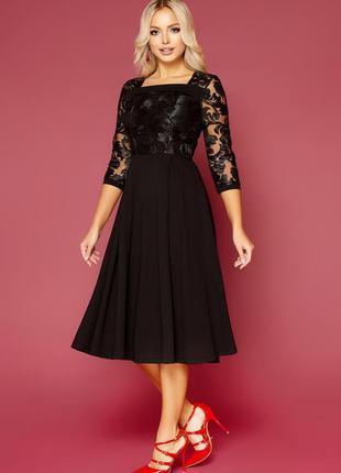Кружевное черное платье больших размеров
