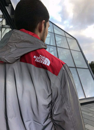 "Рефлективна Куртка Supreme x The north face ""Red"""
