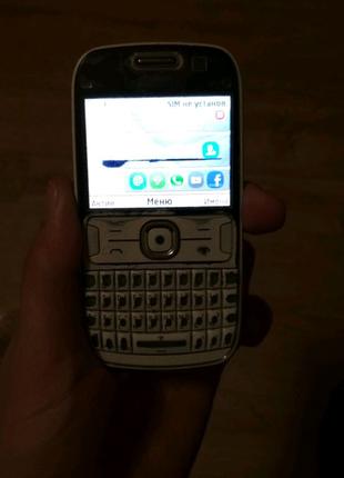 Телефон Nokia 302