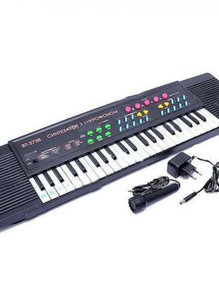 Синтезатор пианино 37 клавиш, микрофон, от сети Украинские песни