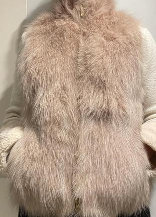 Брендовый жилет из лисы