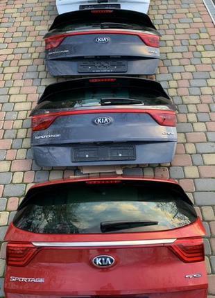 Kia Sportage 4 GTline кришка дверь ляда багажника взборі фонар...