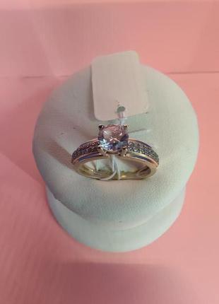 Золотое кольцо с камнями ( 585*(UKR). вес 3,94гр. размер 18 )