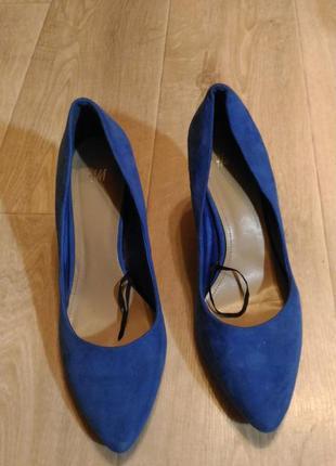 Туфли лодочки h&m цвет ультрамарин размер 38