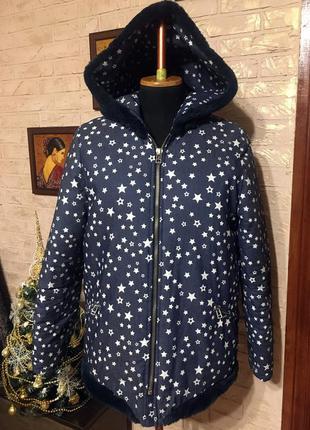 Джинсовая куртка звезды, с синим мехом внутри и на капюшоне