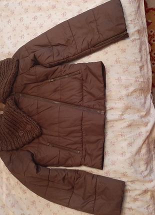 Женская куртка размер М/44