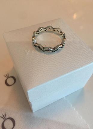 Кольцо зигзаг с камнями пандора серебро проба 925