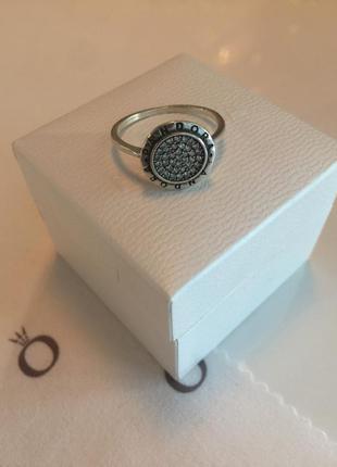 Кольцо логомания пандора серебро проба 925