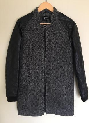 Стильное пальто с кожаными рукавами p.s chicoree шерстяное