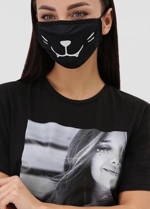 Черная маска с принтом смайлика котенка) защитная для лица дву...