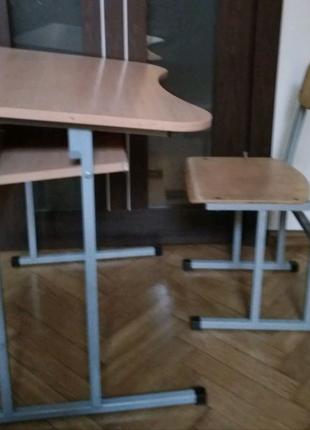 Продам школьную стол-парту со стулом. В отличном состоянии