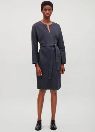 Темно-синее платье с поясом cos