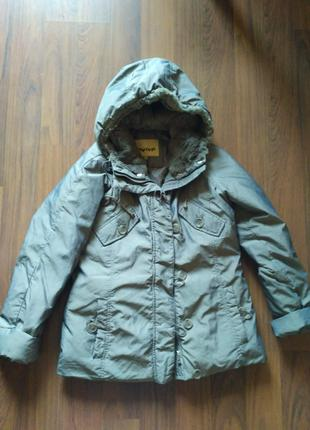 Женская зимняя куртка на пуху