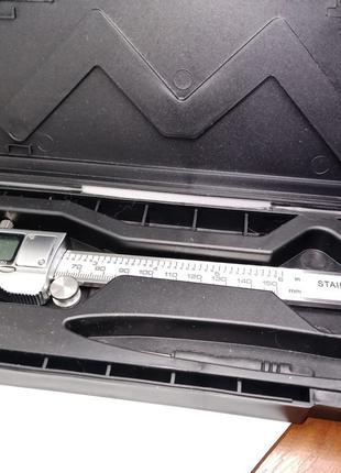 Штангенциркуль электронный стальной. 150 мм.