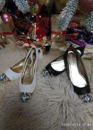 Жіночі туфлі великих розмірів