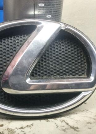 Lexus lx570 эмблема  передняя
