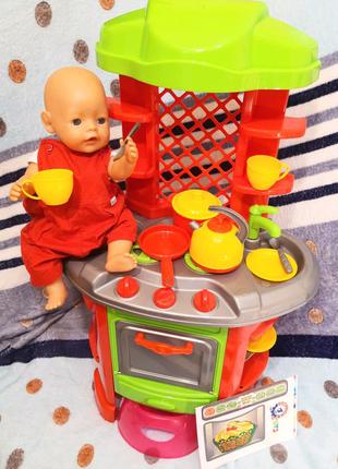 Кукла пупс беби Борн на кухне