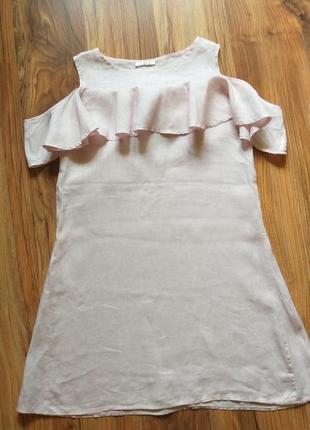 Льняное платье с воланом и открытыми плечами