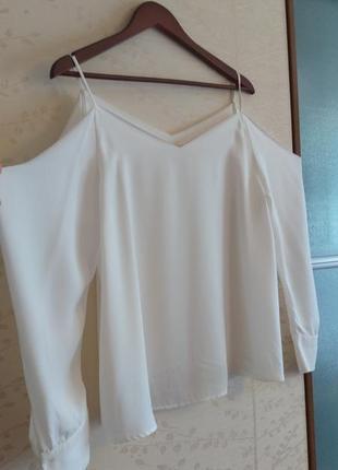 Супер блузка с отрытыми плечами