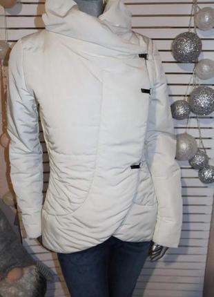 Белая куртка pietro filipi