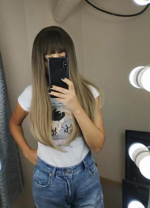Шикарный парик средней длины с челкой и пробором блонд