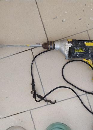 Дрель ударная Triton-tools ТДУ-950 с замешивателем