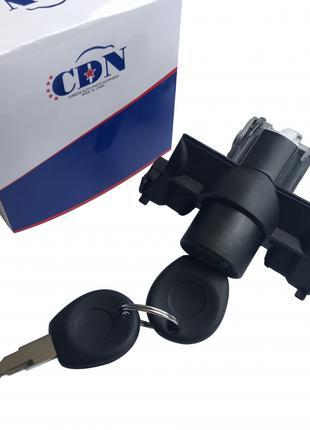 Chery Amulet (A11-A15)A11-8CB5606110Замок багажника (кнопка)