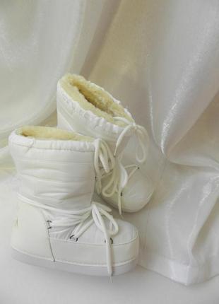 Теплейшие сапоги угги дутики луноходы на шнуровке с меховым  с...