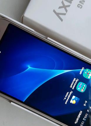 Продам смартфон Samsung j3