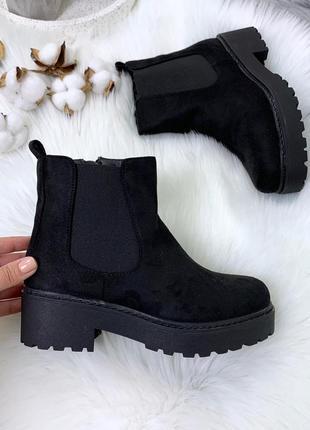 Чёрные замшевые ботинки на низком каблуке,демисезонные замшевы...