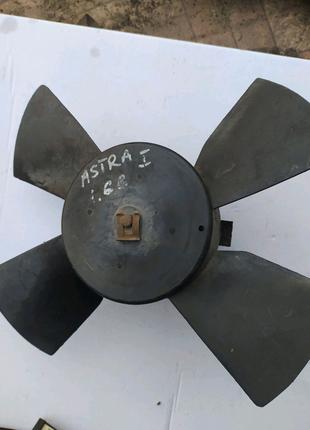 Опель двигун радіатора