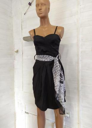 Красивое  платье коктейльное с шарфиком-поясом