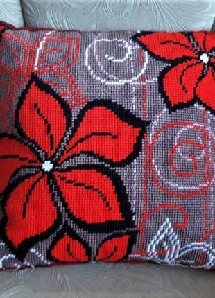 Подушка декоративная вышитая полукрестом, ручная работа